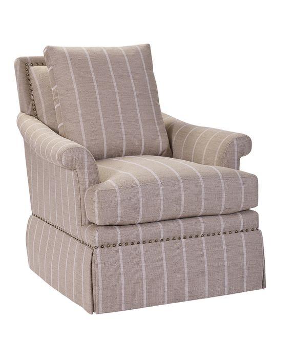 Una silla Arielle bronceada