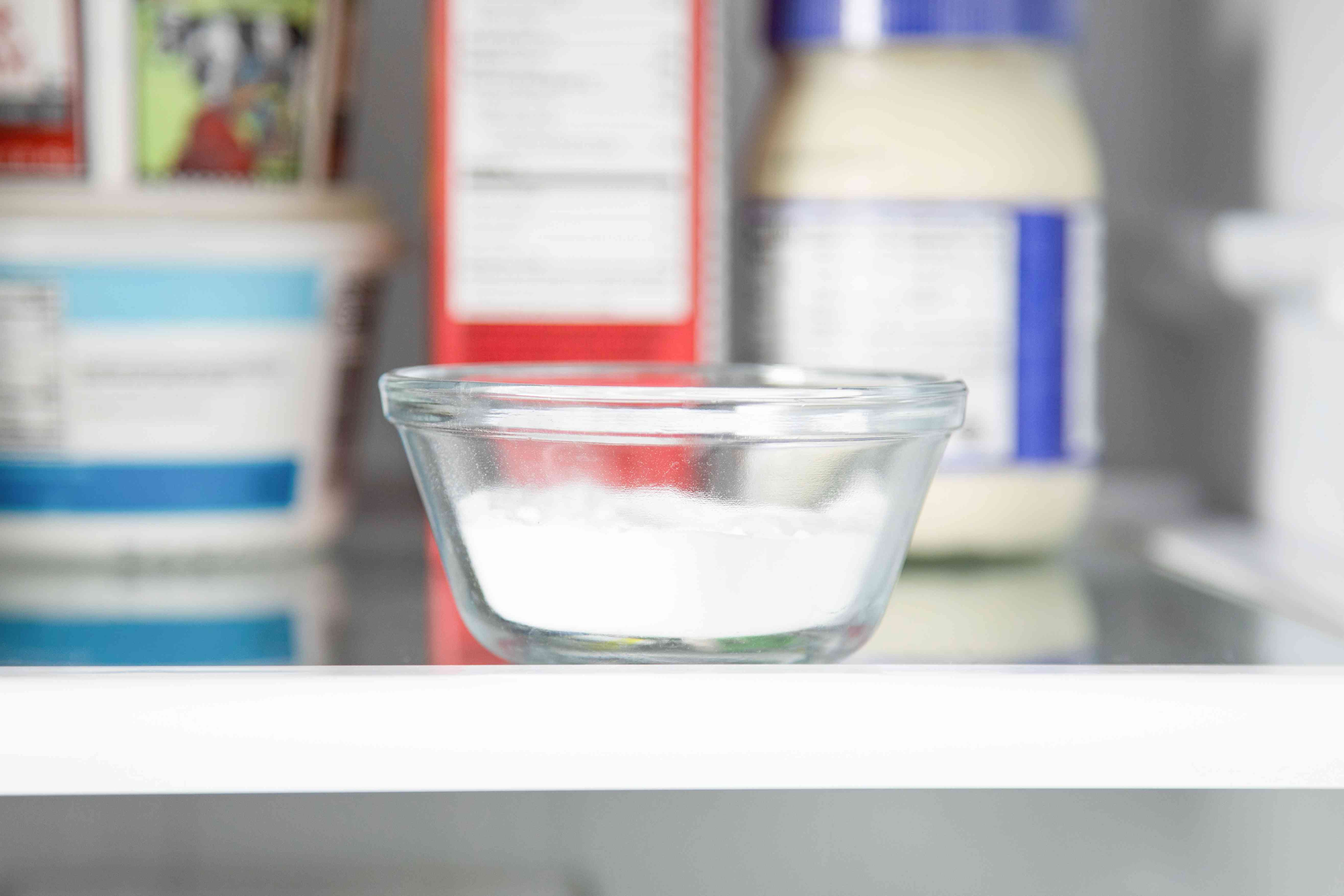 using baking soda as a deodorizer