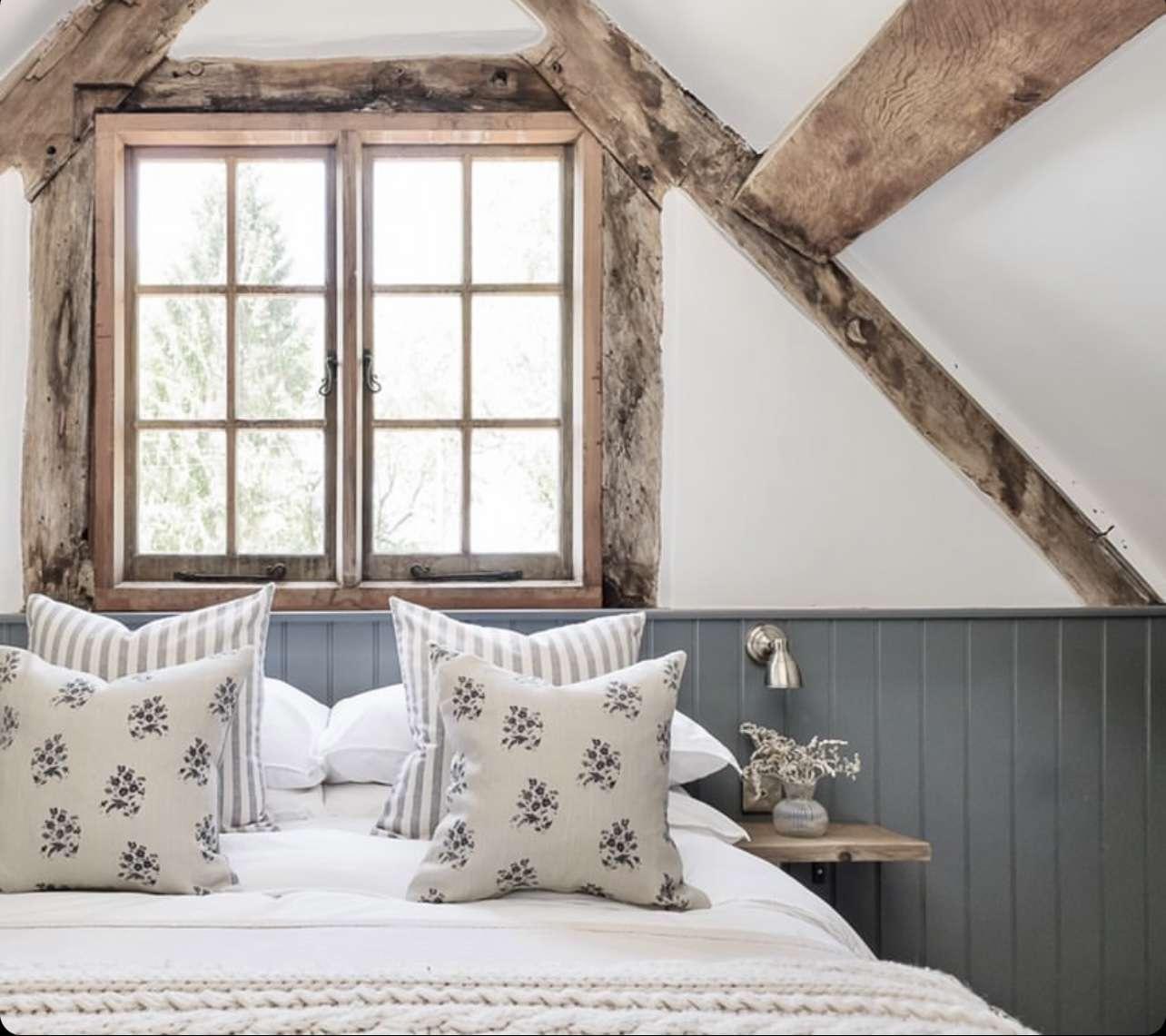 Hannah Llewellyn cabin decor