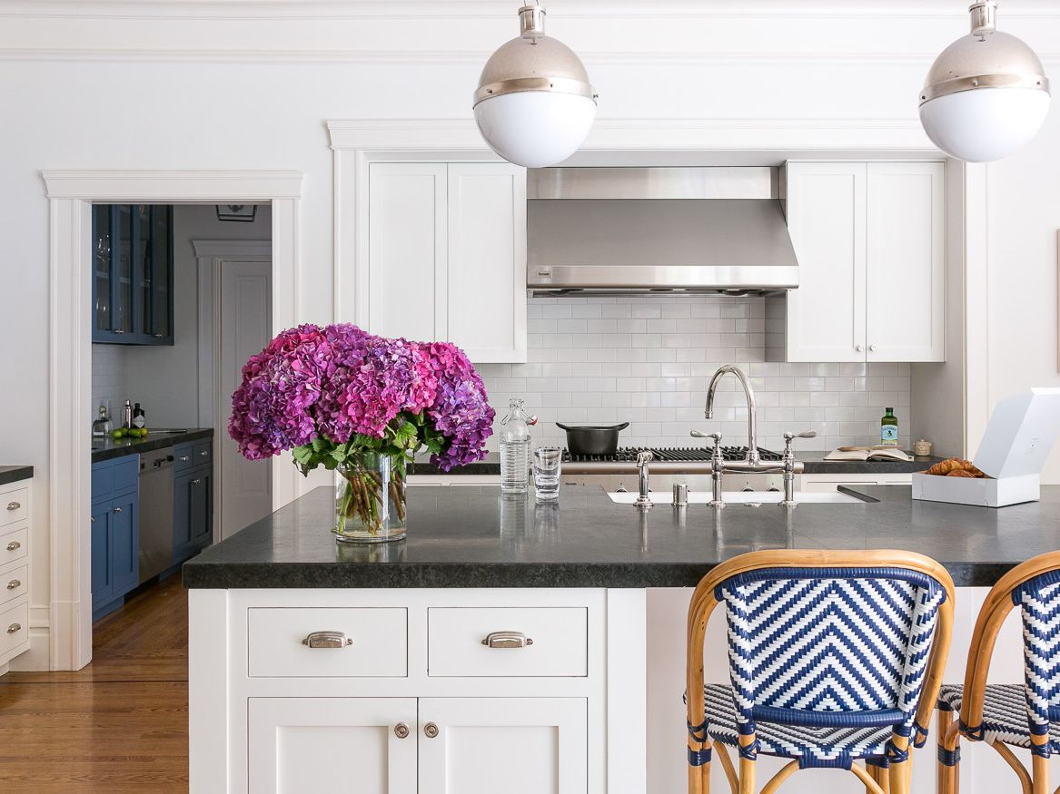 15 Kitchens With Shaker Style Cabinets