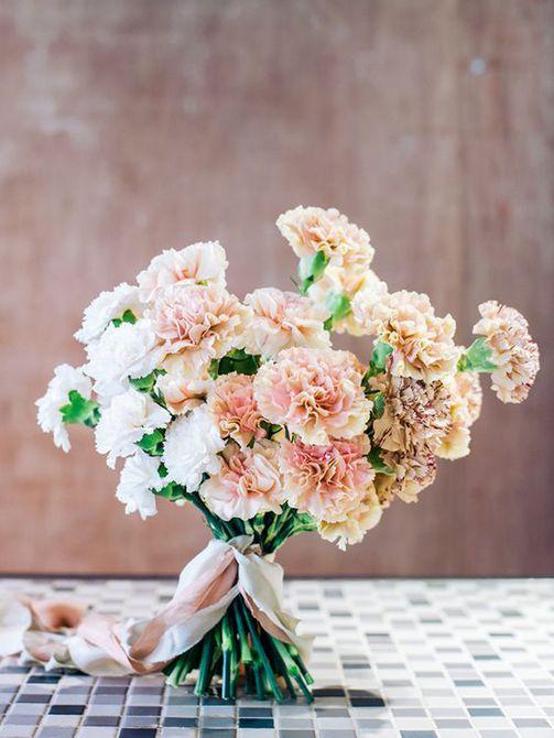 Romántico ramo de clavel rosa