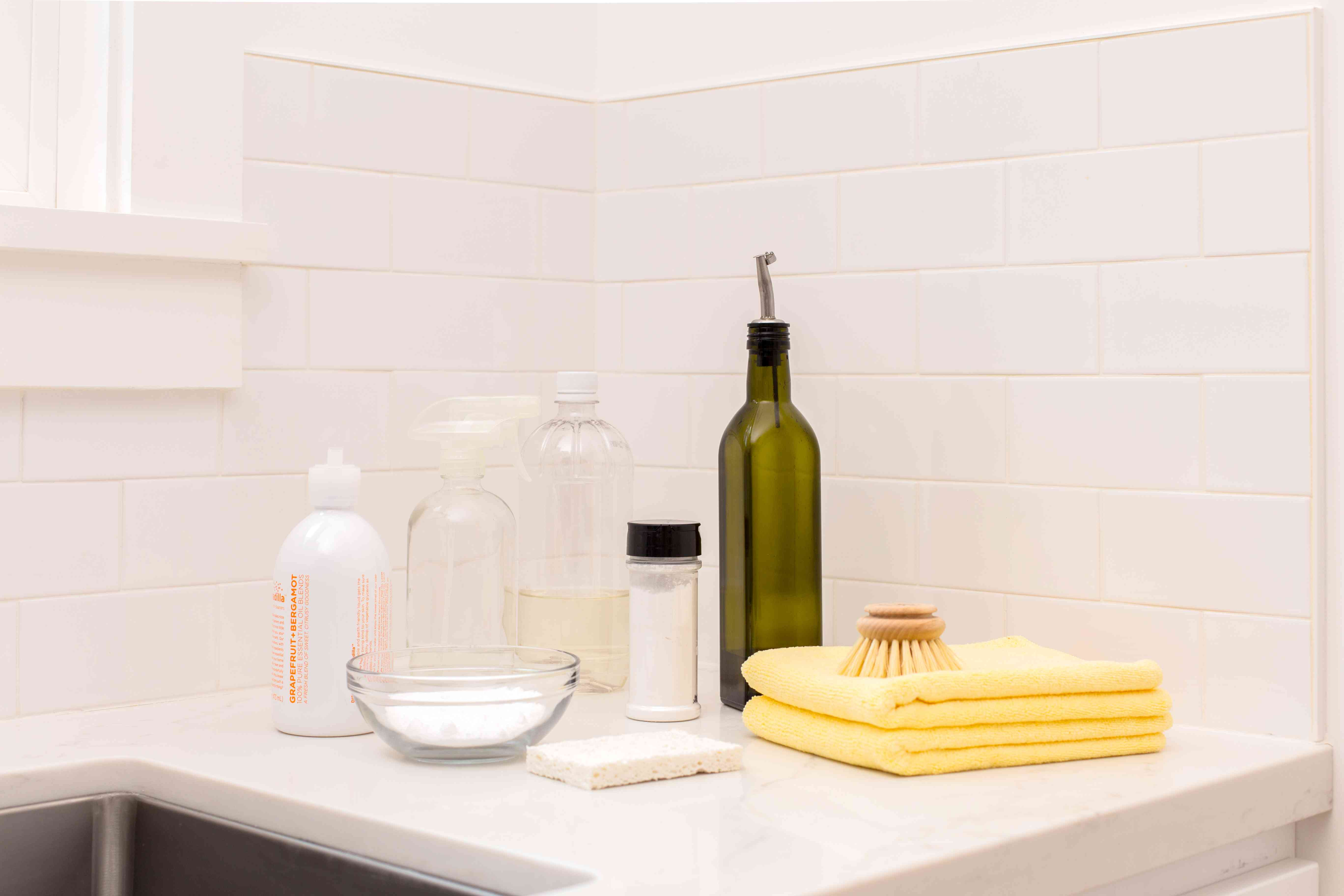 Materials and tools to clean a stainless steel sink