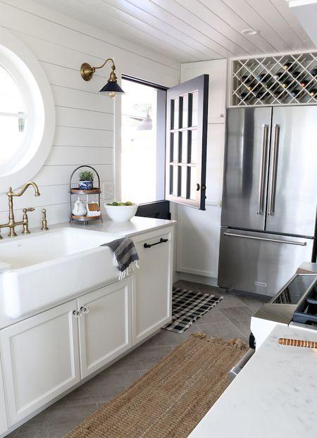 Shiplap Behind The Sink In Kitchen
