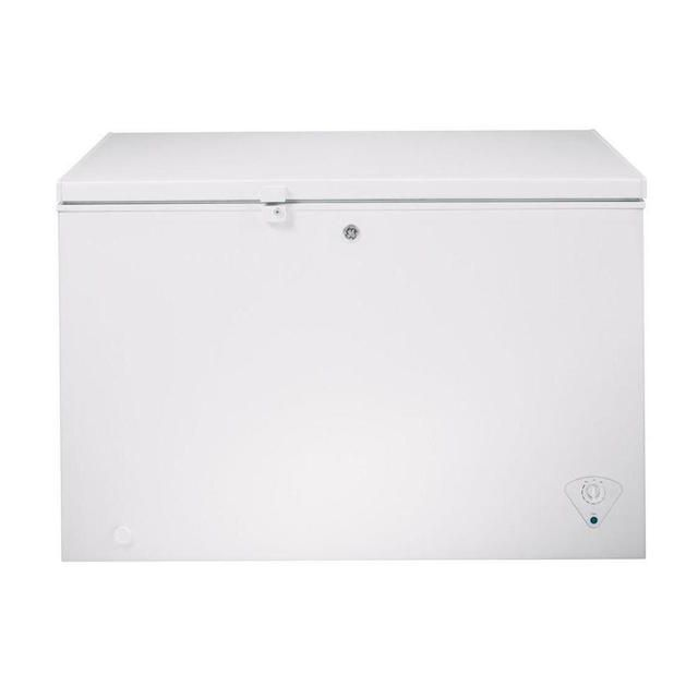 GE 10.6 cu. ft. Chest Freezer in White