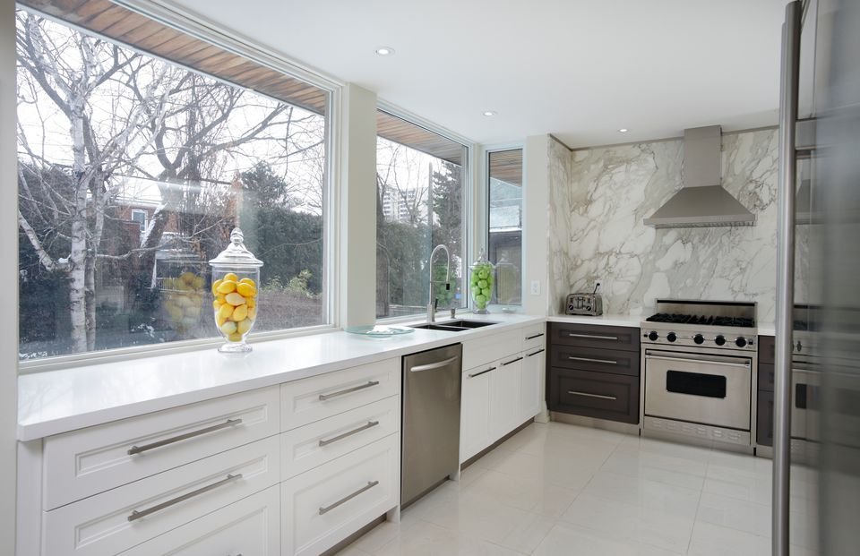 Luxury Kitchen with Large Marble Laminate Backsplash