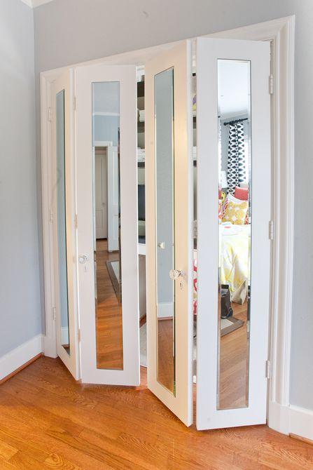 Espejo en puertas de armario.