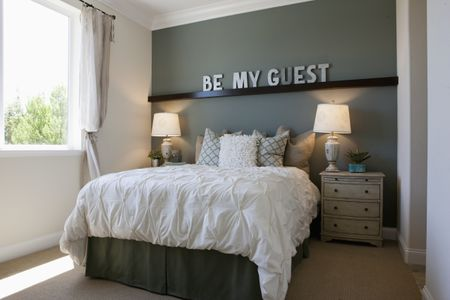 48 Tips To Make Your Guest Room Feel Like Home Interesting Decorating Ideas For Guest Bedroom