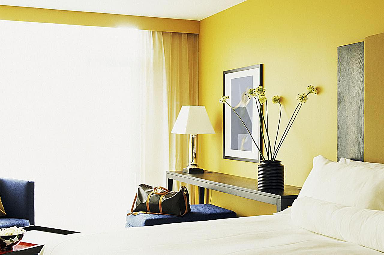 Yellow Bedroom Photos and Ideas: Great Tips and Advice