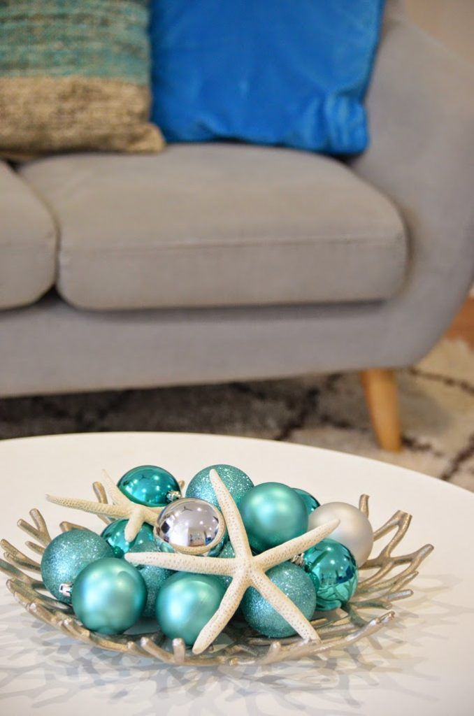 Beach bowl with christmas decorations and starfish