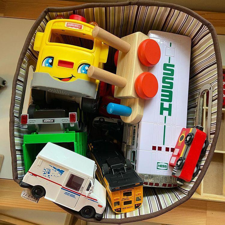 Toy storage ottomon