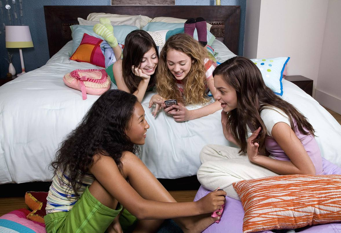 Social media and secret lives of american teenage girls