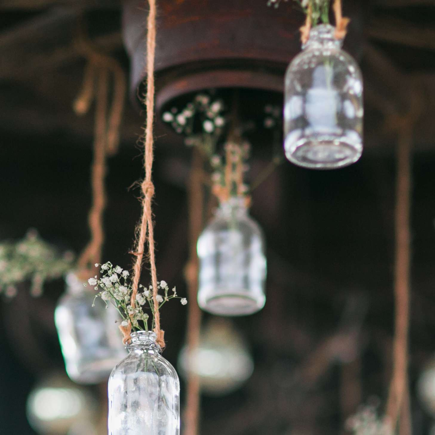Hanging Baby's breath vessels