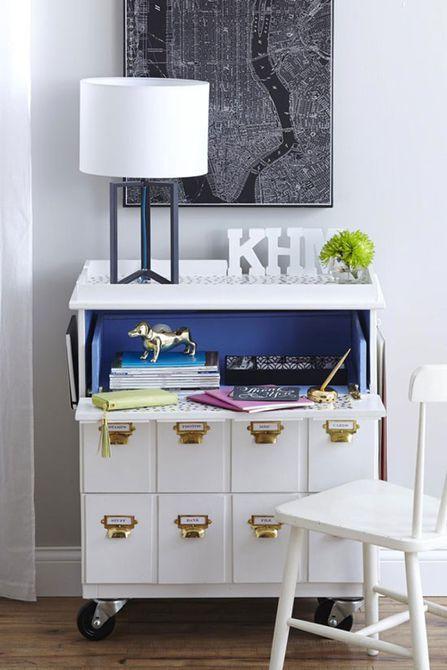 tocador IKEA Tarva hackeado como escritorio