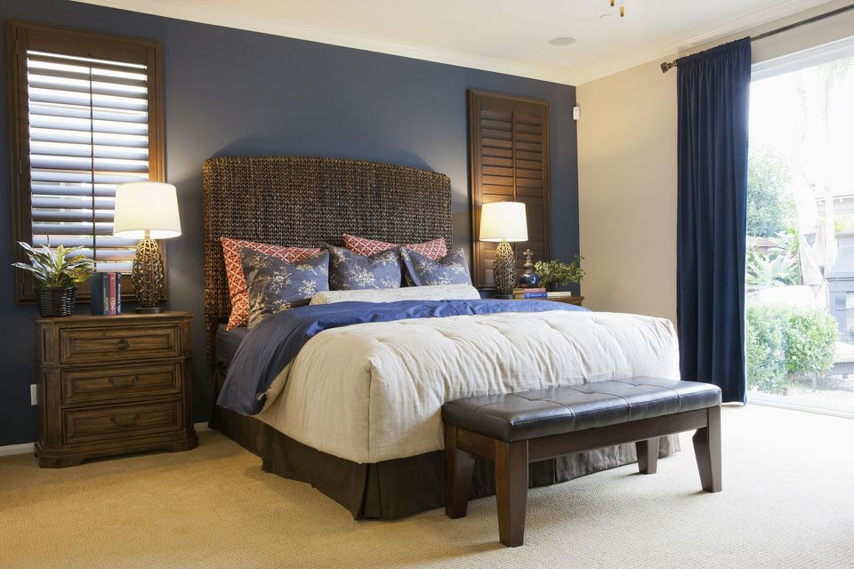 How to Choose a Bedroom Accent Wall and Color