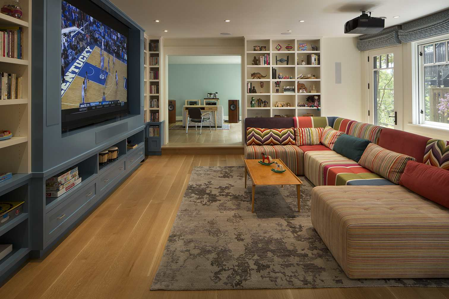 remodelación de San Francisco con proyector de televisión