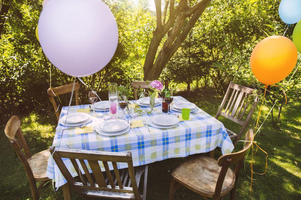 7 Budget Saving Ideas For Outdoor Entertaining