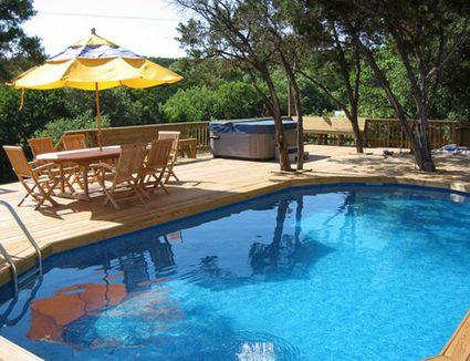 Outdoors gardening for Domestic swimming pool design
