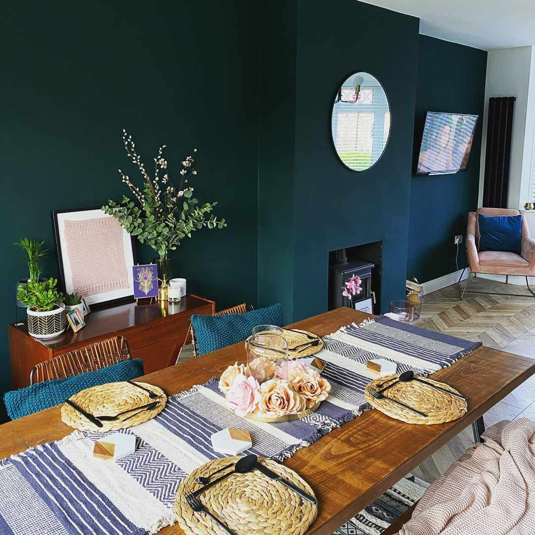 14 Green Living Rooms