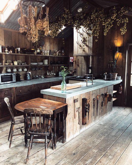Isla de cocina hecha de ladrillo y madera