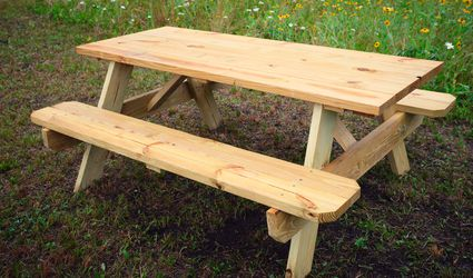 simple picnic table