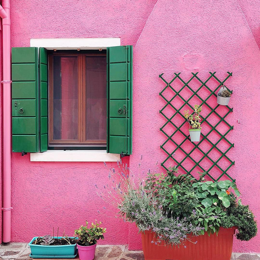 The 18 Best Instagram Accounts for Color Inspiration
