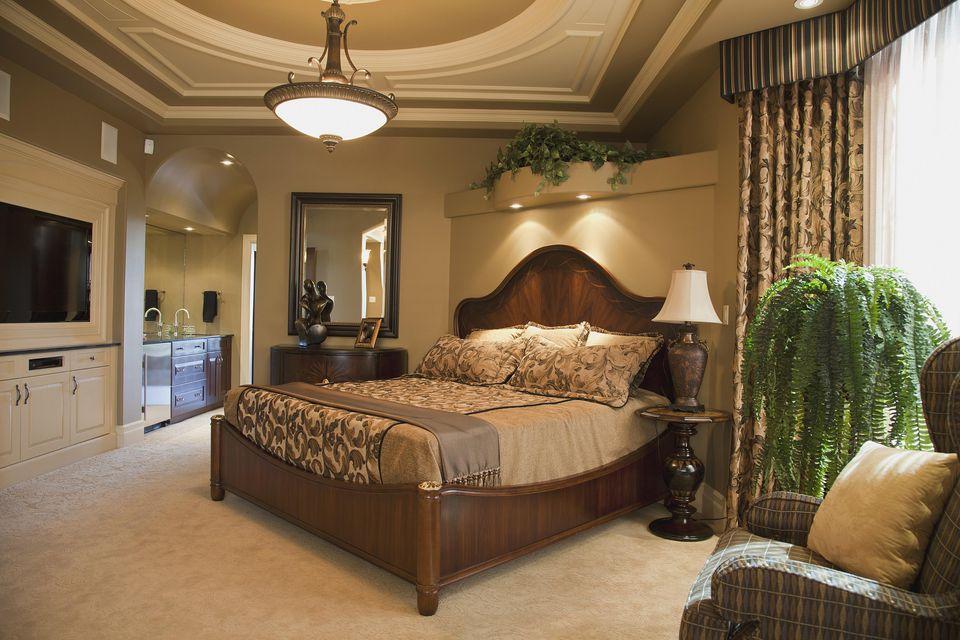 Elegant Mediterranean bedroom style.