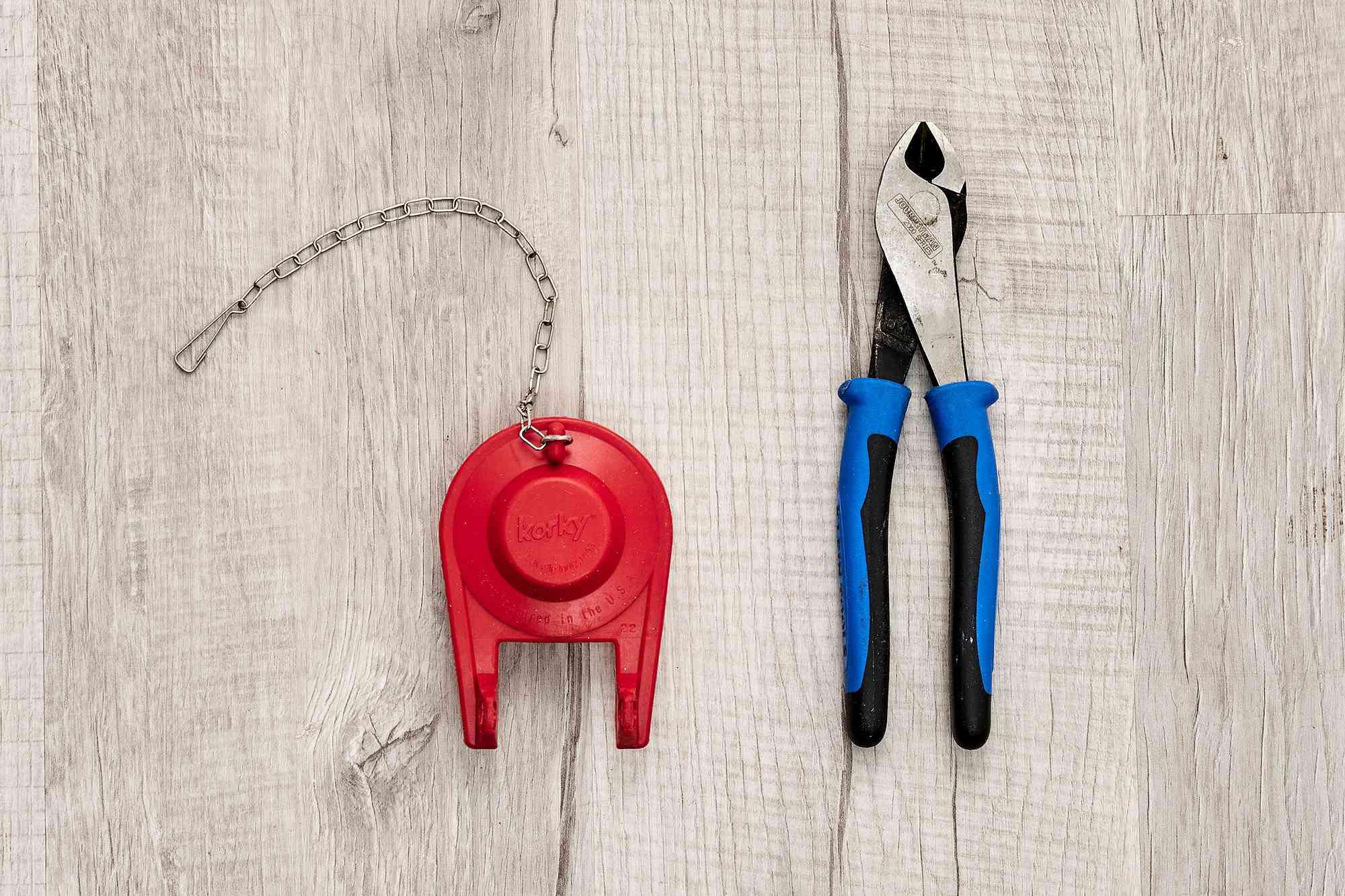 Materials and tools to fix a stuck toilet handle
