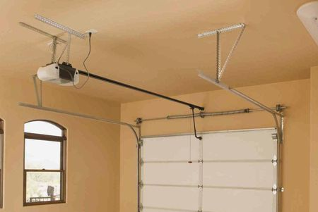 7 Reasons To Replace Your Garage Door Opener