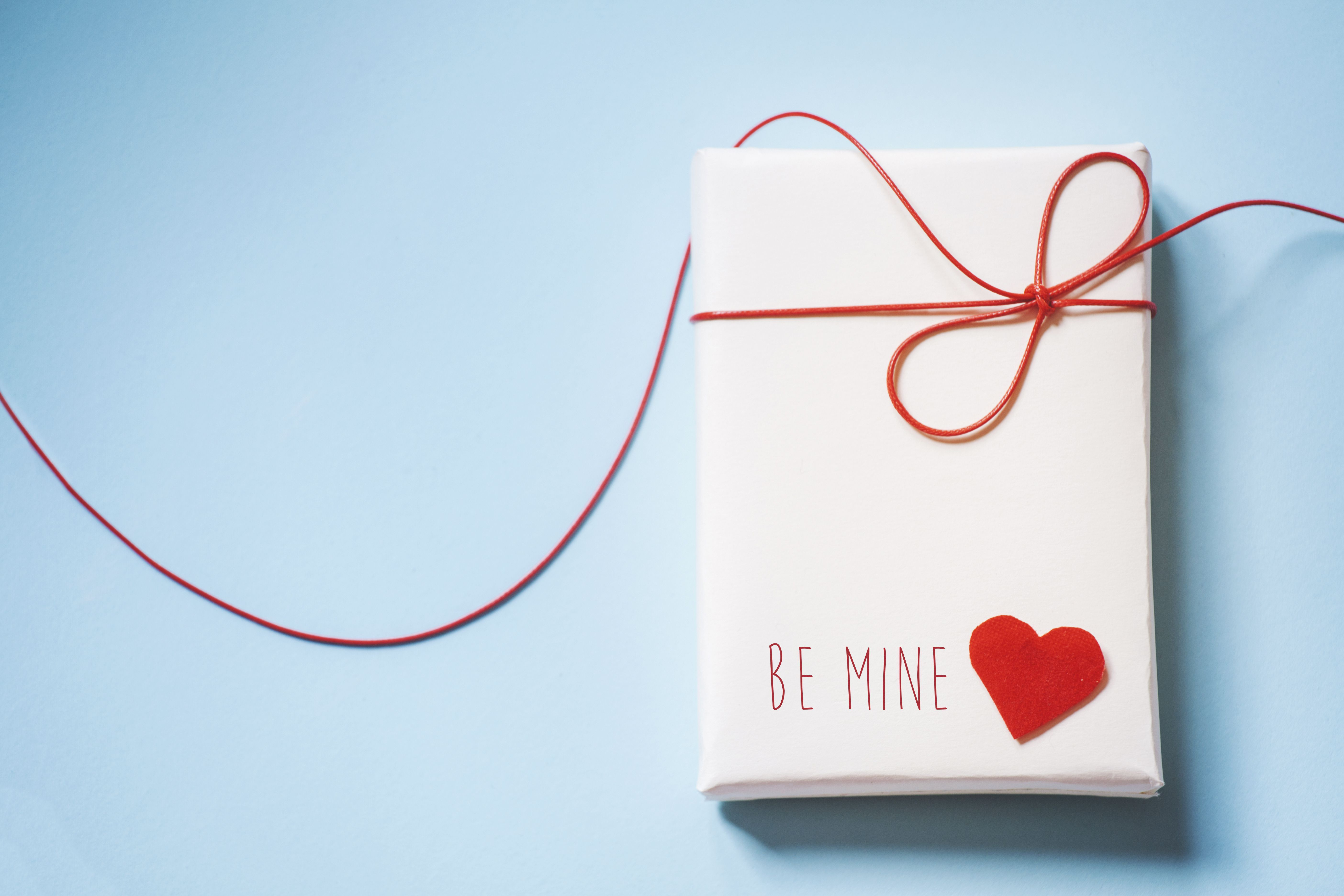 means valentines day gifts - HD5616×3744