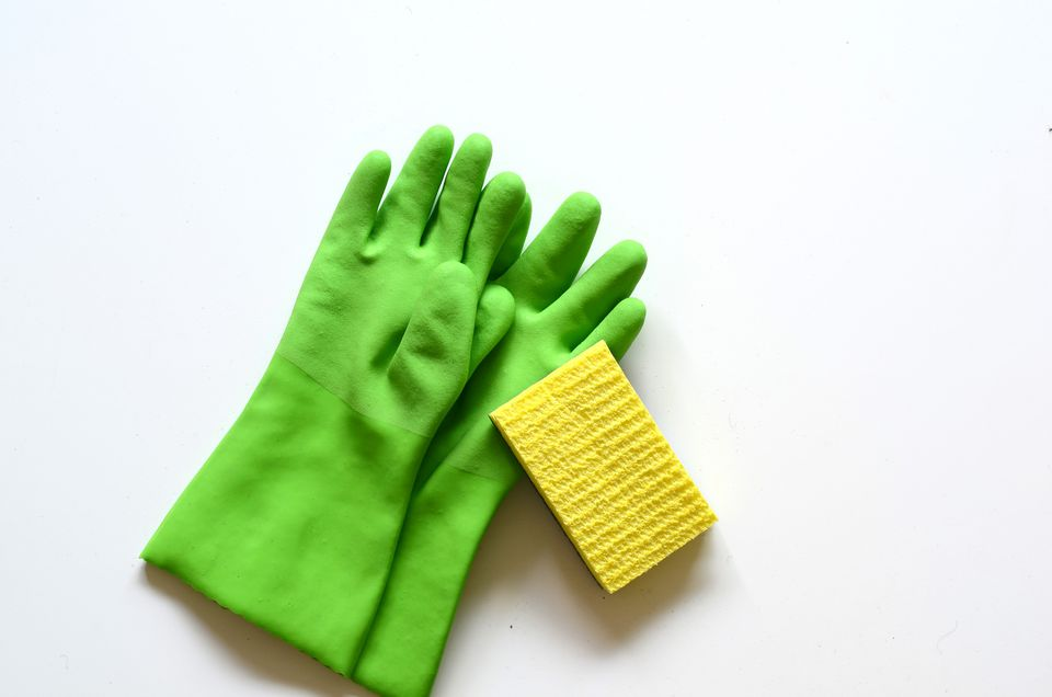 Dishwashing gloves and sponge
