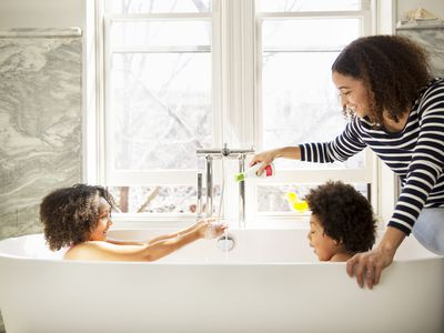 The 8 Best Bathtub Cleaners Of 2019