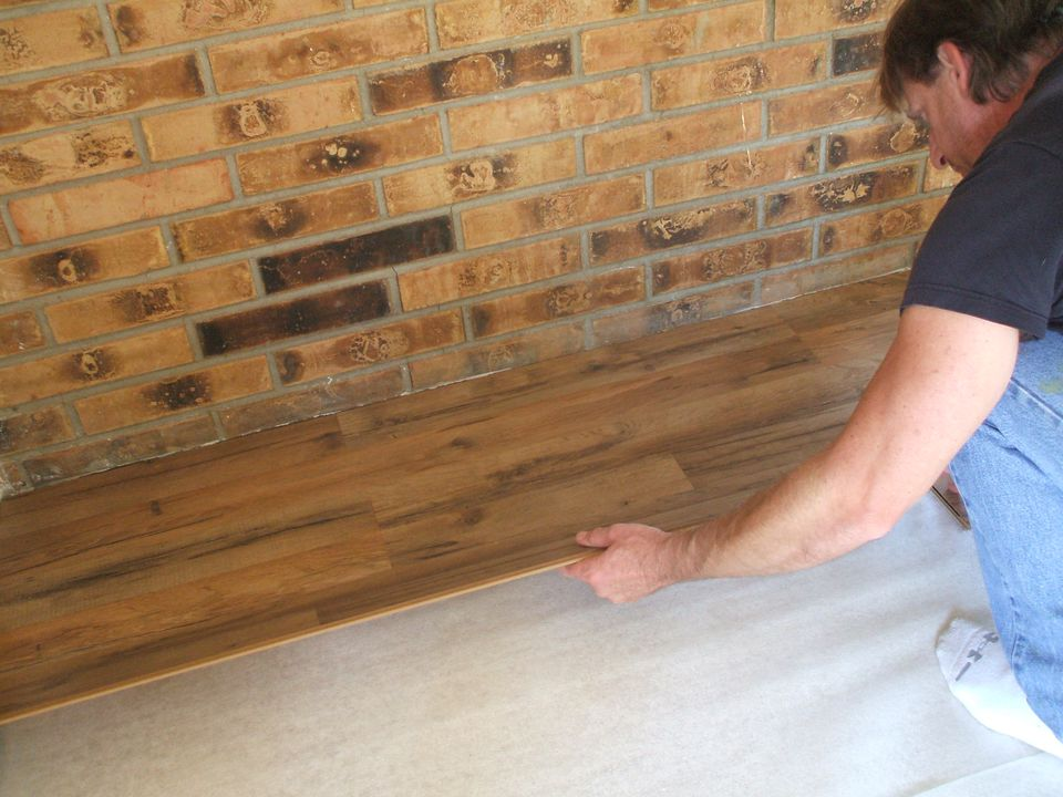 Lay Laminate Flooring - Putting Down First Row