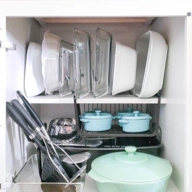 Baking pan and utensil storage