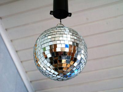 Discobal Met Licht : 10 clever hallway decor ideas