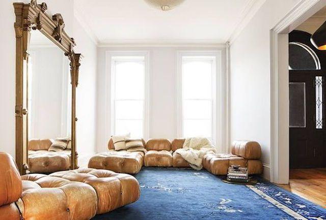Una colección de sofás de cuero
