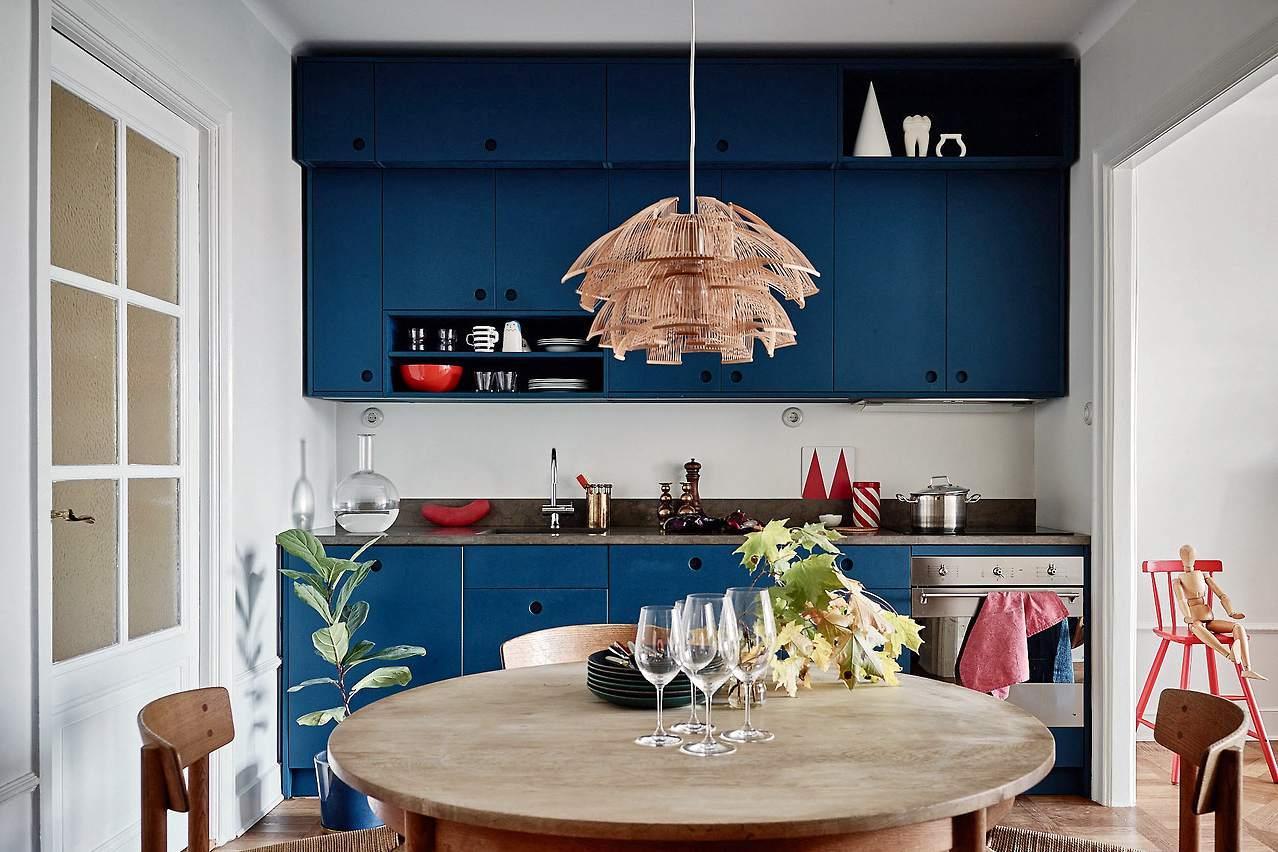 Navy-Scandi-kitchen-Cabinets