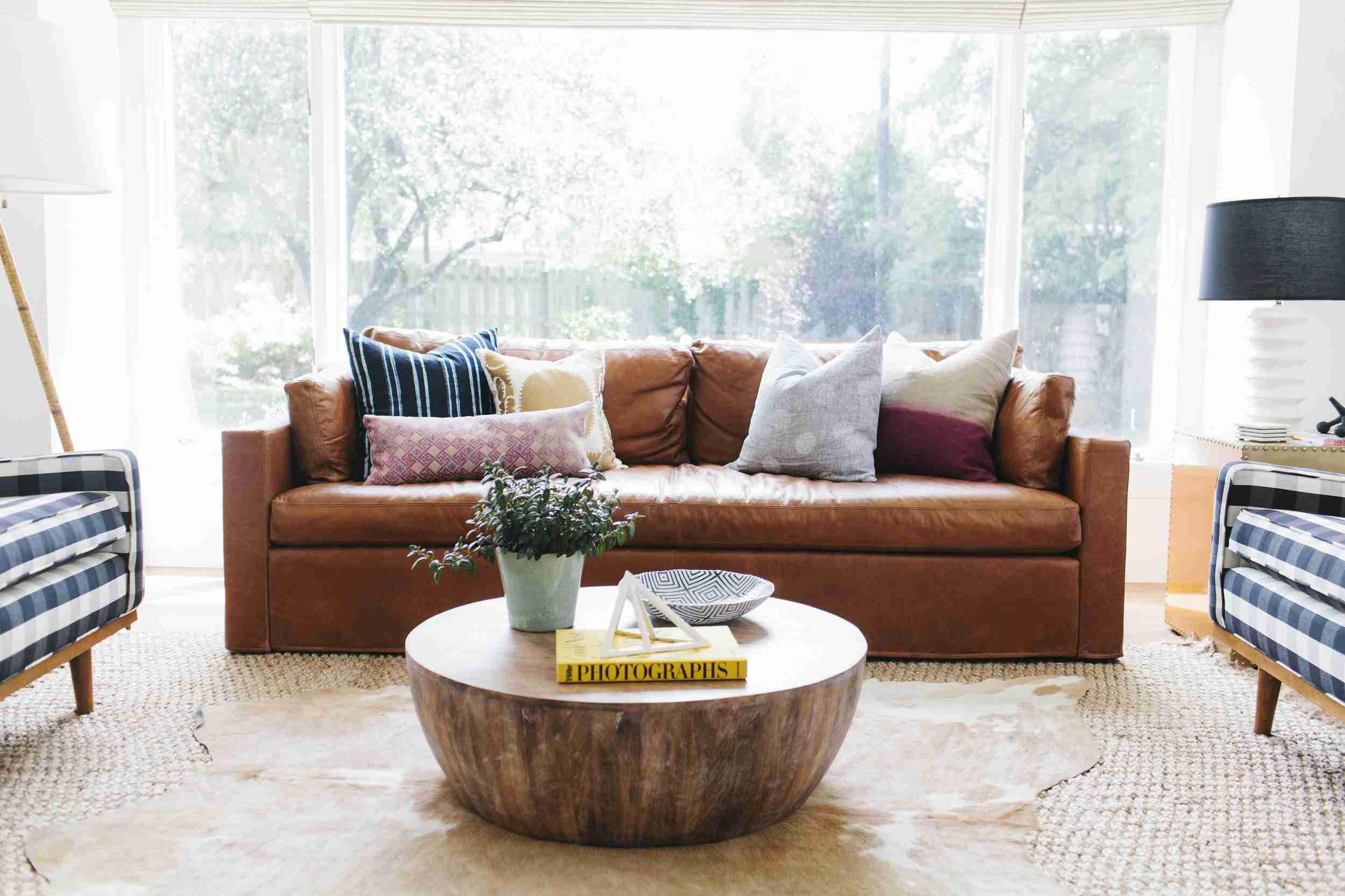 Tendencia de la sala de estar - Alfombras en capas