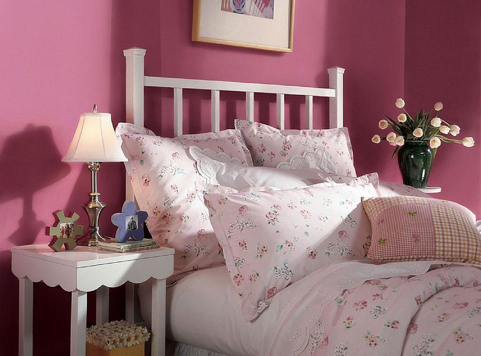 10 great pink and purple paint colors for the bedroom 12845 | dutch boy wild strawberry 58a6c6193df78c345b3a102e
