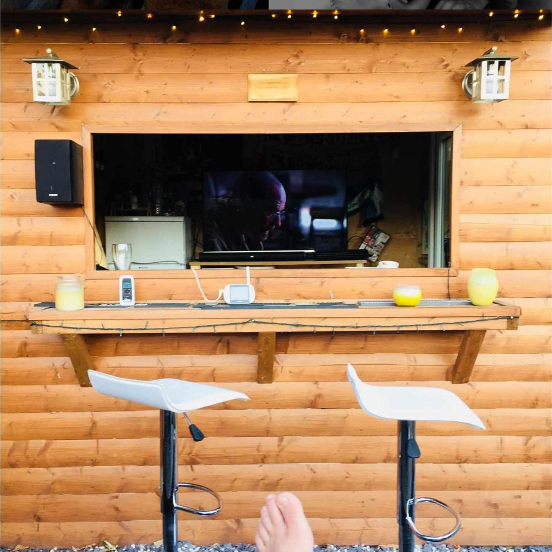 outdoor cabin bar