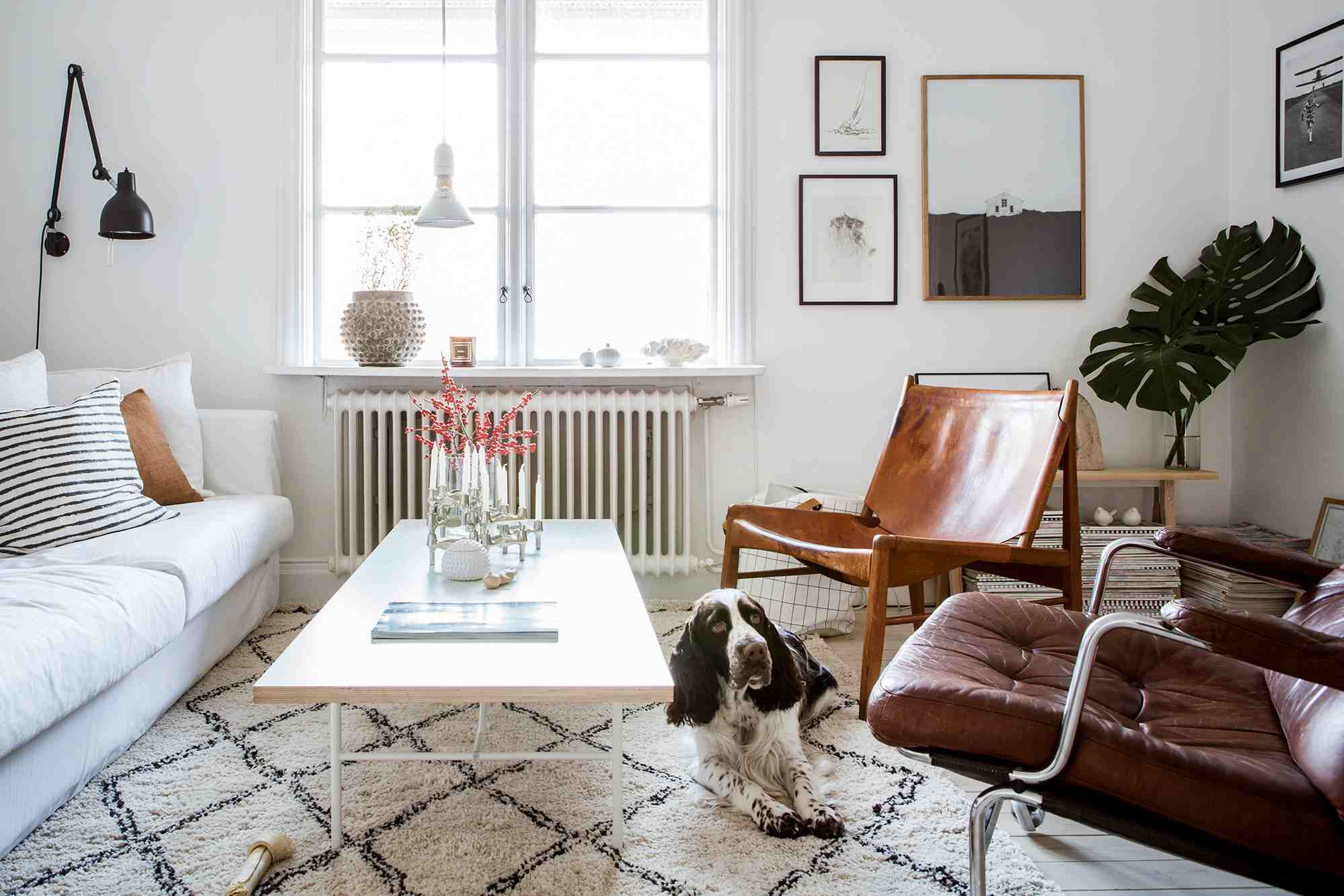 . How to Decorate a Small Living Room in 17 Ways