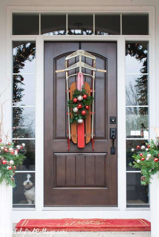 How To Decorate A Door For Christmas.6 Unique Ways To Decorate Your Front Door For Christmas