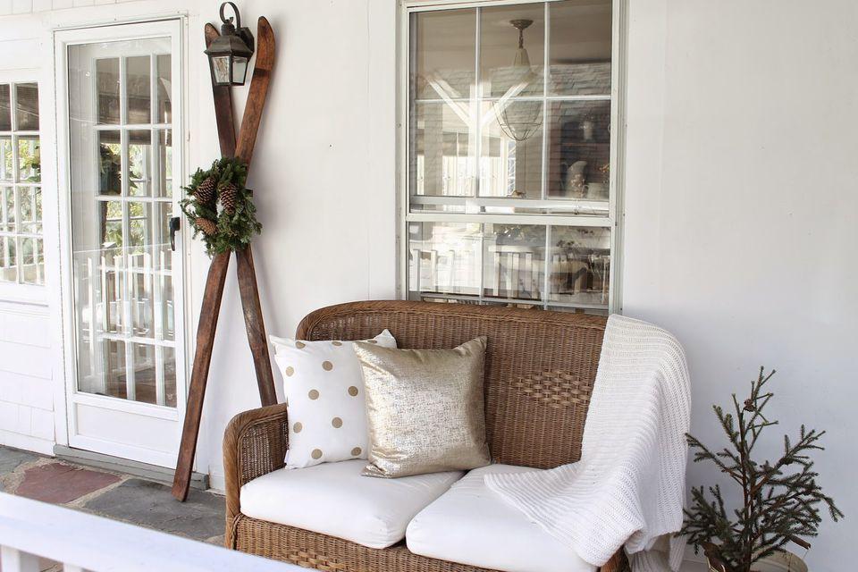 21 Best Winter Porch Decorating Ideas
