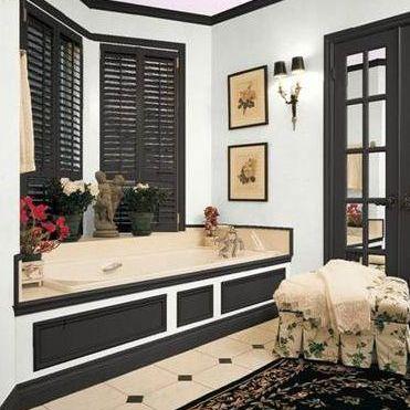 black and white color scheme for master bathroom