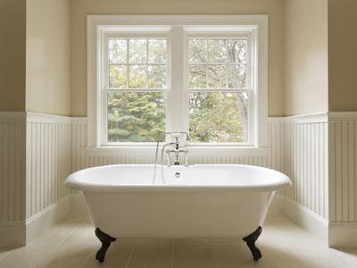 Bathtub Refinishing vs. Tub Liners