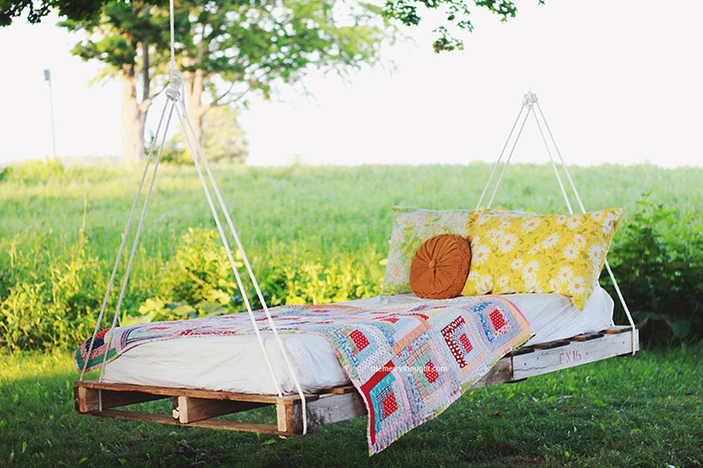 Wood Pallet Bed Swing