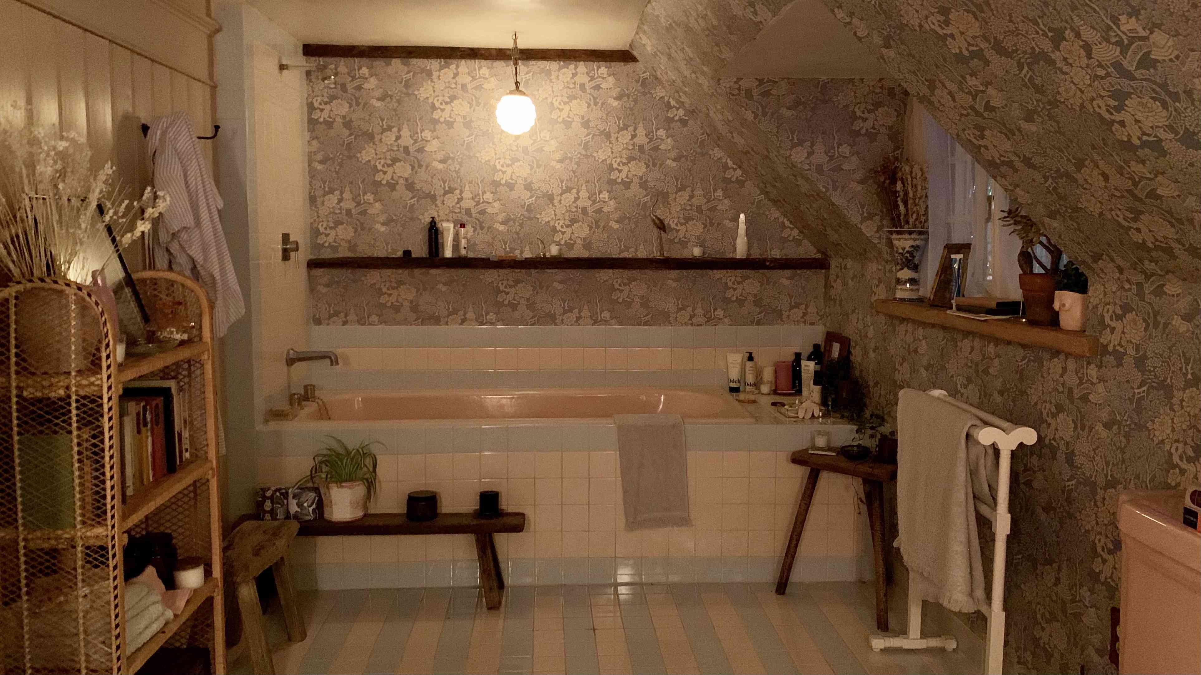 Bathroom on set of season 3 of Master of None