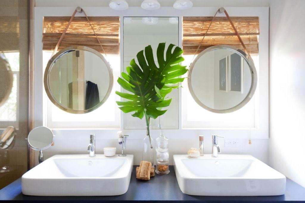 Espejos inspirados en ojo de buey en el baño