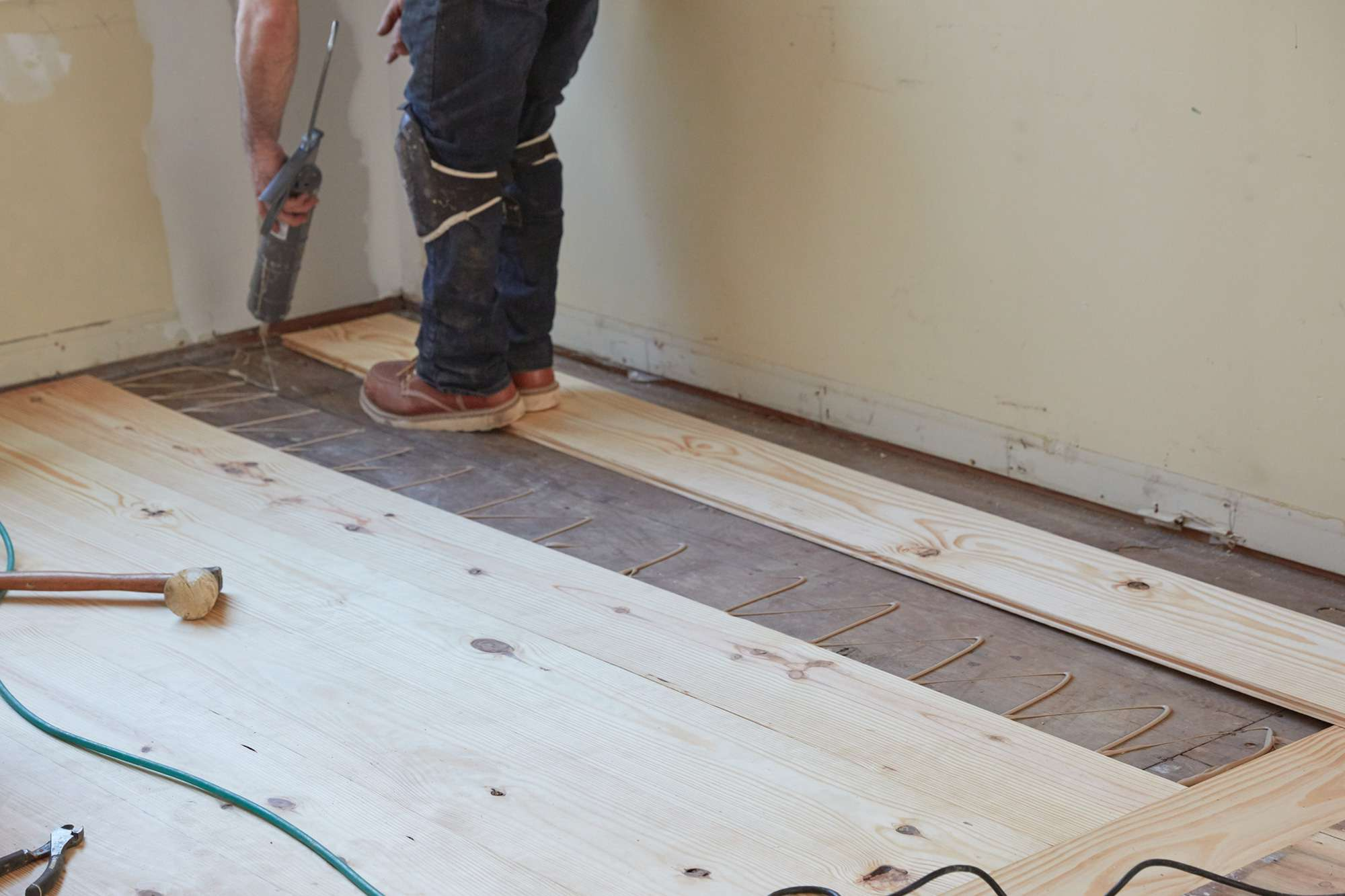 How To Choose The Right Flooring Adhesive, Adhesive Laminate Wood Flooring