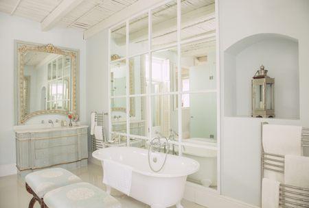 essential tips for an elegant bathroom design - Elegant Bathroom