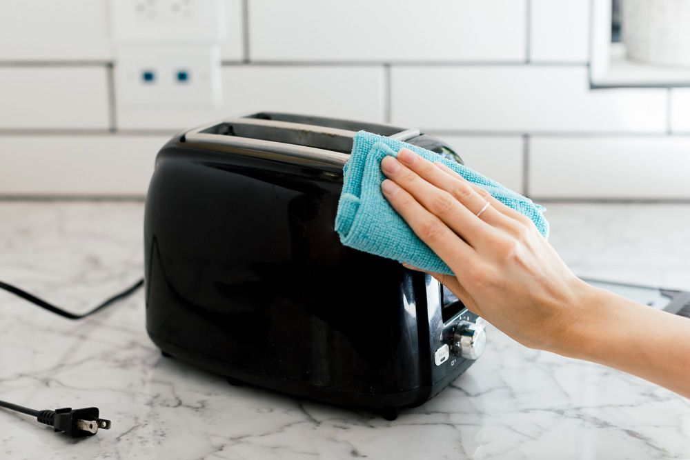 cleaning a toaster